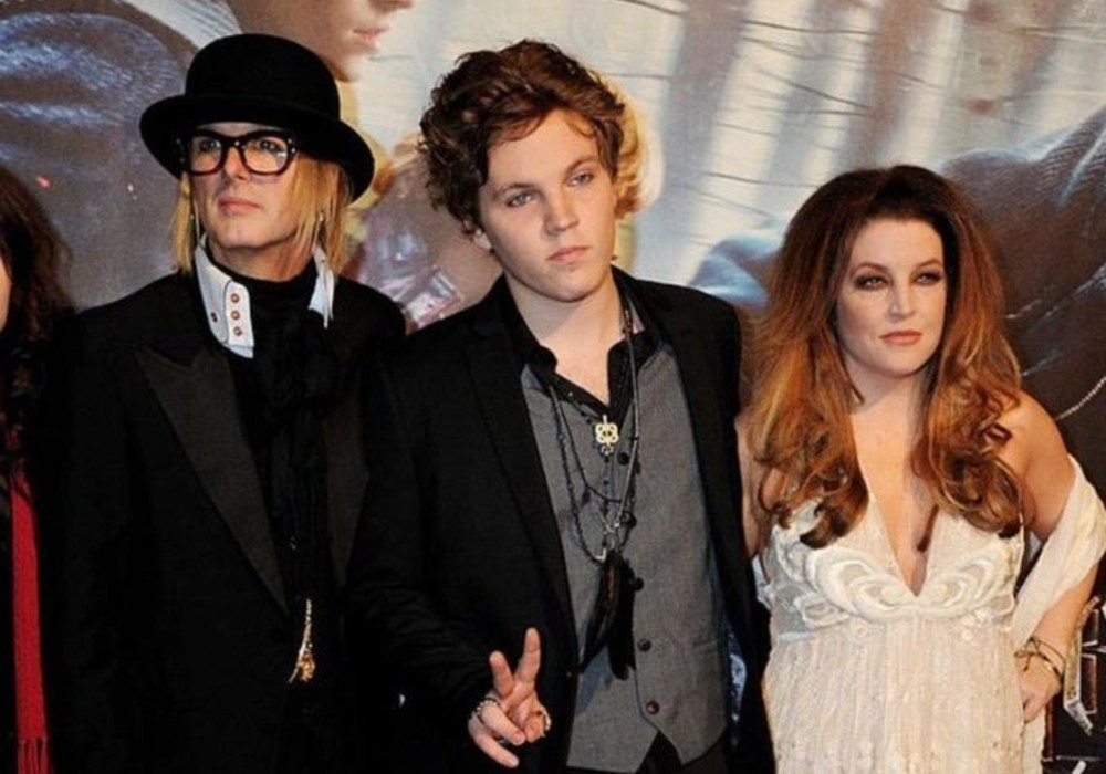 Lisa Marie Presley's Ex Worries She Could Relapse After Son's Suicide