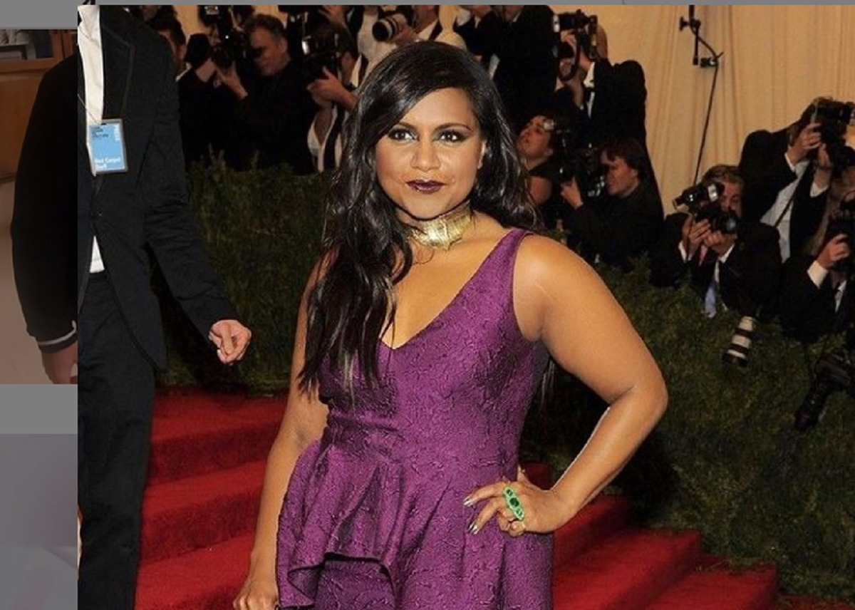 mindy-kaling-is-ready-for-anything-in-floral-tory-sport-by-tory-burch