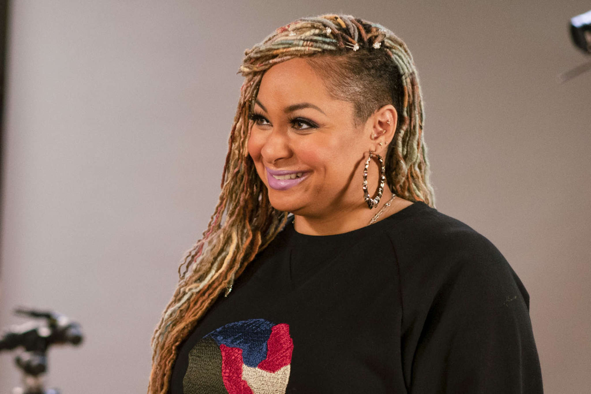 raven-symone-asked-if-she-would-host-along-cheetah-girls-co-star-on-the-real-see-her-reaction