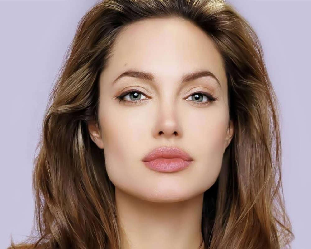 Angelina Jolie News