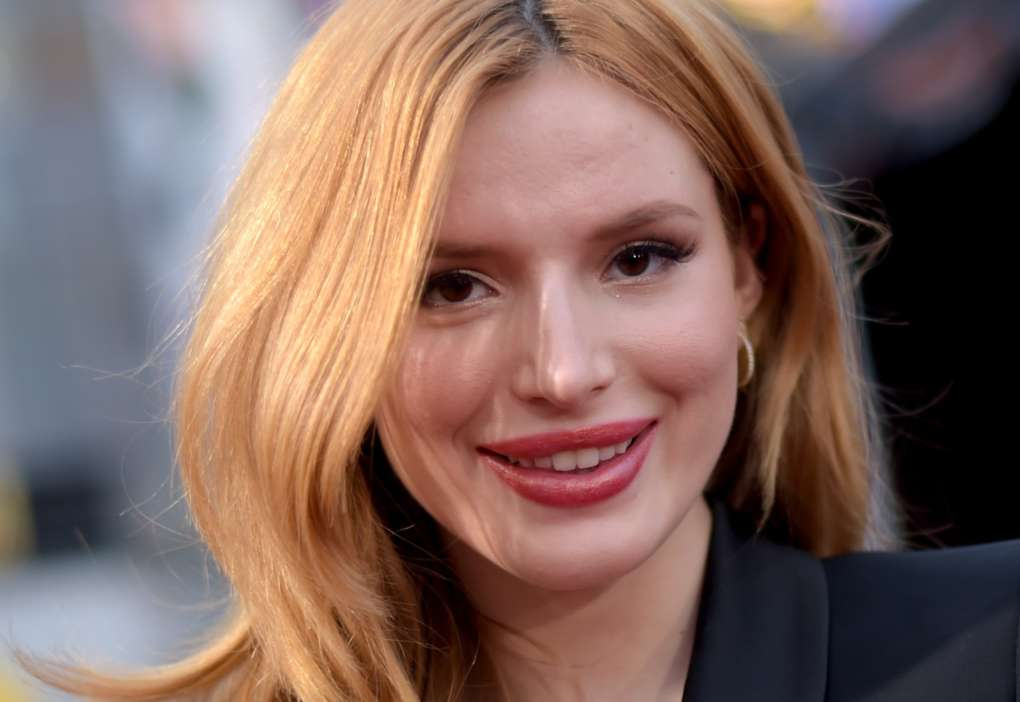"""""""bella-thorne-accused-of-being-a-scam-artist-after-her-reported-2-million-week-on-onlyfans"""""""