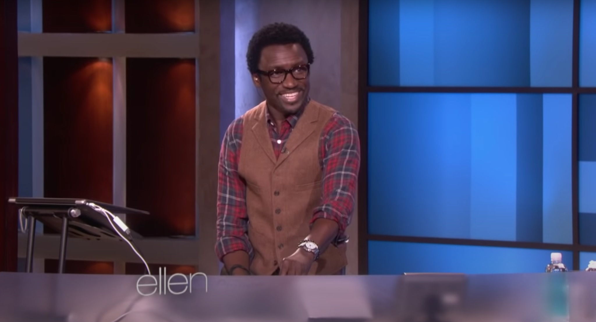 former-dj-on-the-ellen-show-stands-by-his-former-colleagues-by-confirming-toxic-work-environment-rumors
