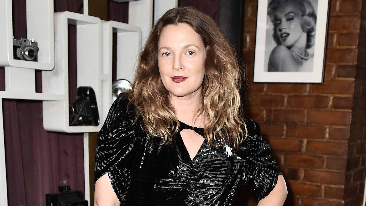 drew-barrymore-confirms-bizarre-rumor-that-her-grandfathers-body-got-stolen-from-the-morgue-after-he-passed-heres-why