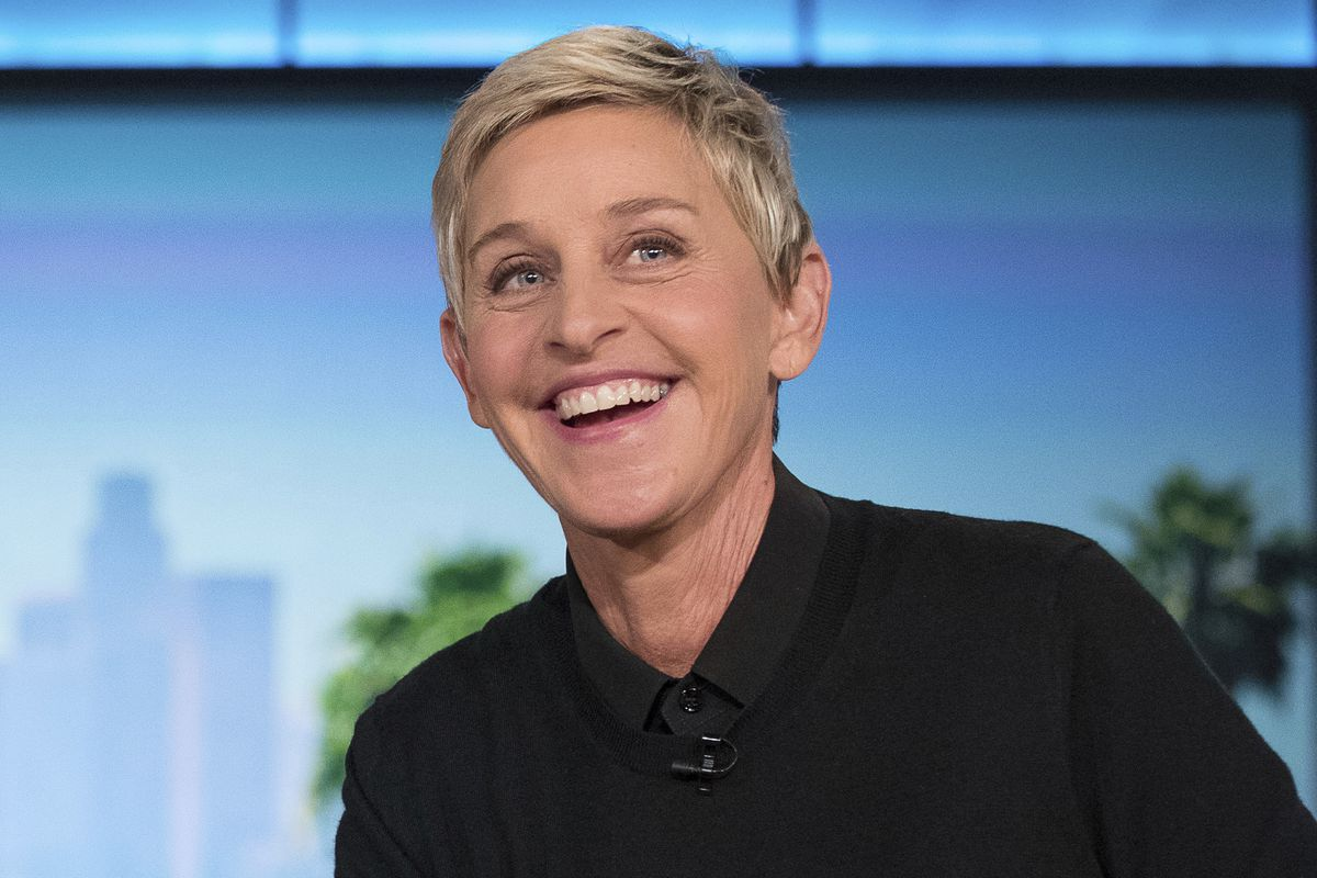 ellen-degeneres-reportedly-offers-some-brand-new-perks-to-all-employees-of-her-talk-show-amid-workplace-scandal