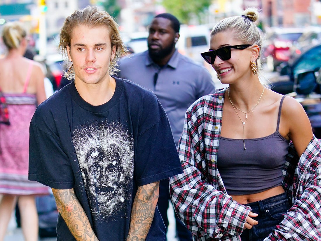justin-bieber-and-hailey-baldwin-reunite-with-her-ex-shawn-mendes-heres-why-it-wasnt-awkward-at-all