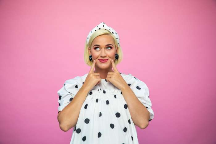 Katy Perry Says She's Not Scared Of Experiencing The Agony Of Childbirth Any Day Now - Here's Why!