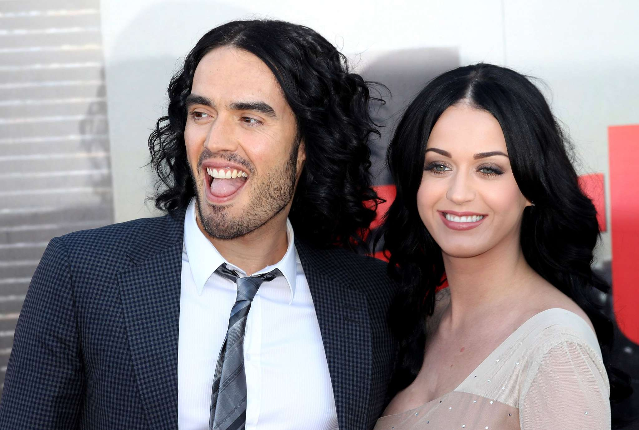 """katy-perry-raves-about-healthy-orlando-bloom-relationship-and-opens-up-about-tornado-like-marriage-with-ex-russell-brand"""