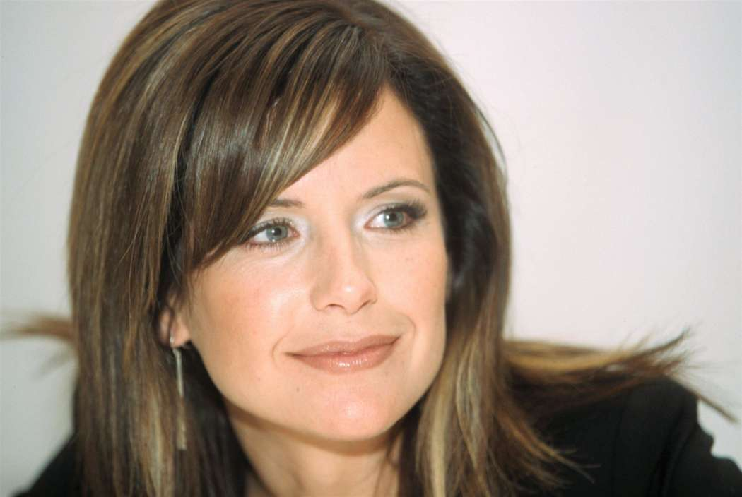 kelly-preston-died-at-her-familys-home-amid-secret-cancer-battle-new-autopsy-reveals