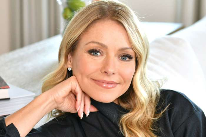 Kelly Ripa Hilariously Responds To Critic Of Her And Ryan Seacrest's 'Lack Of Personal Grooming' On Their Show