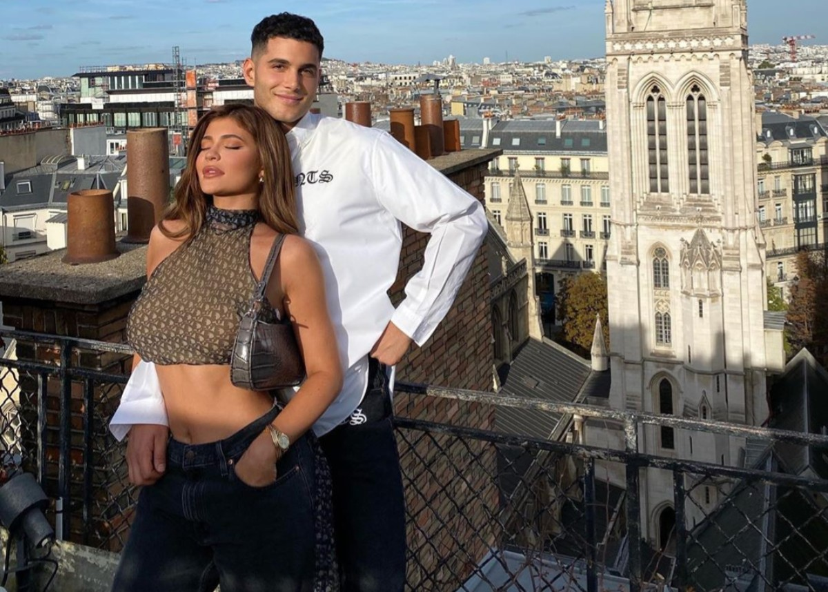 kylie-jenner-accused-of-flaunting-her-wealth-after-flying-to-paris-with-friends-during-the-coronavirus-pandemic