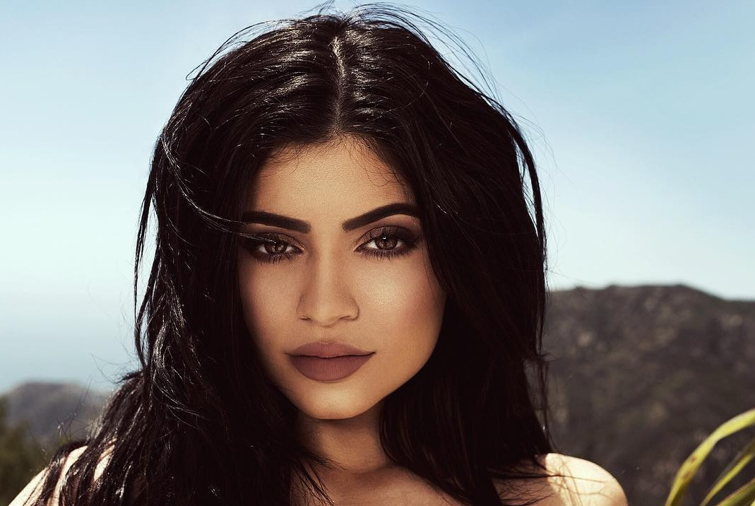 kylie-jenner-is-still-single-despite-photos-showing-the-contrary