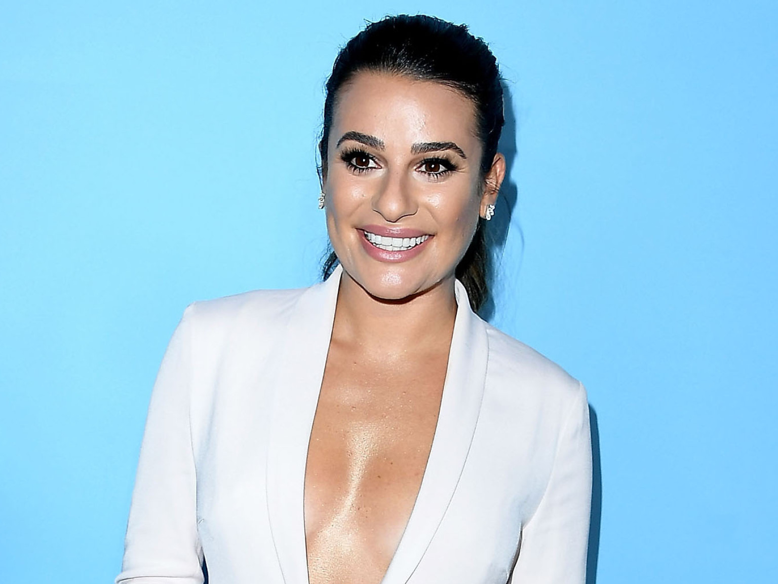 lea-michele-gives-fans-a-first-look-at-her-son-ever