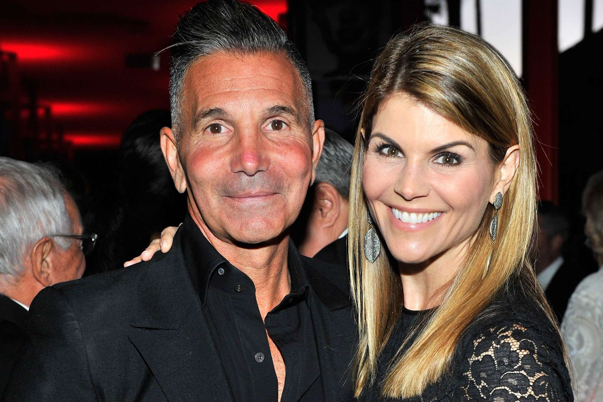 read-lori-loughlins-speech-before-being-sentenced-to-prison-i-wish-i-could-go-back-and-do-things-differently