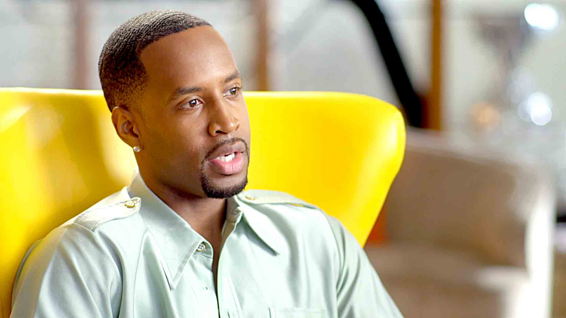 safaree-is-paralyzed-by-fear-in-this-video-and-kirk-frost-completely-understands-check-out-what-hes-trying-to-do