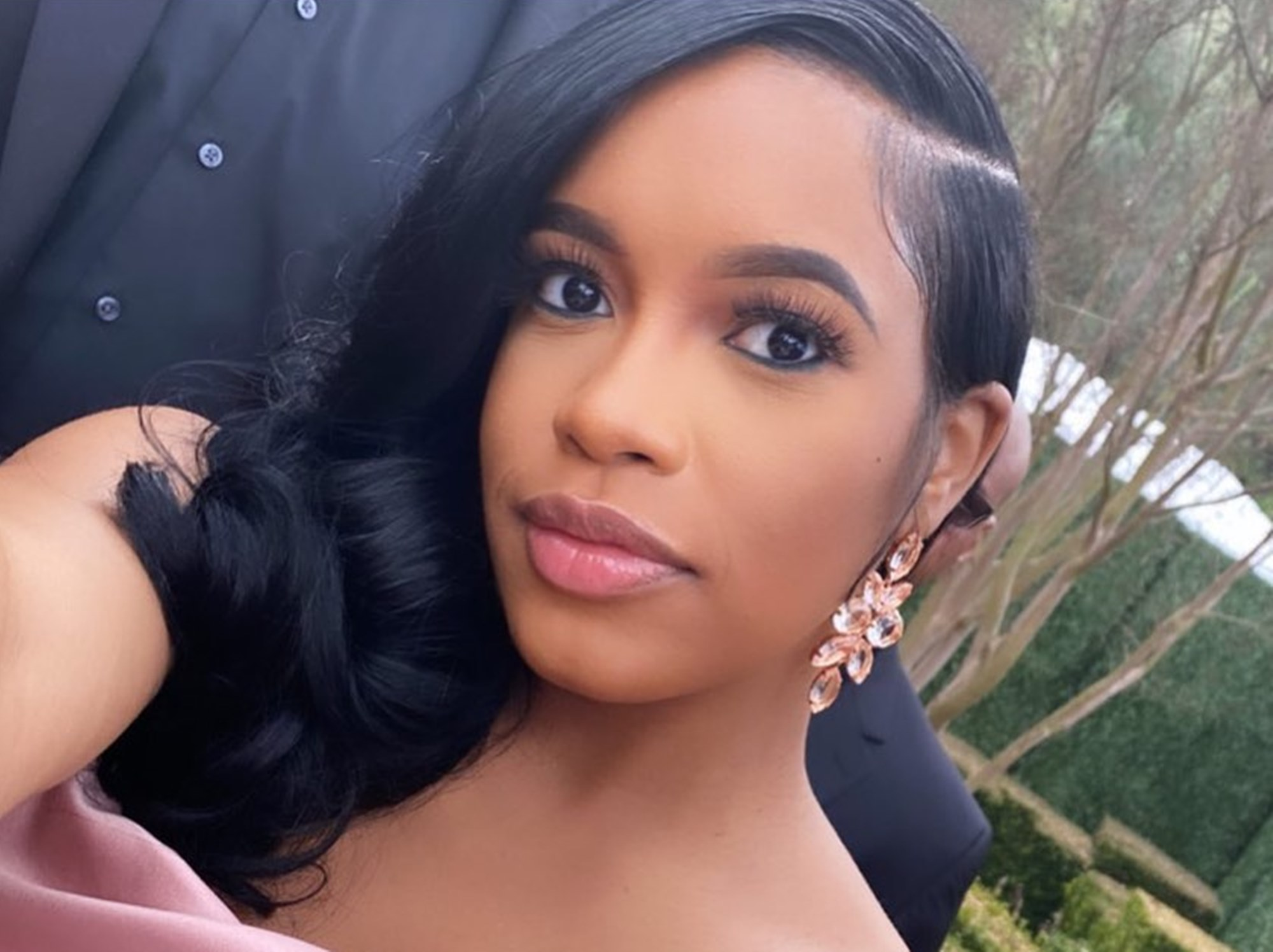 meek-mills-baby-mama-milan-harris-shows-him-what-he-is-missing-in-shady-photos