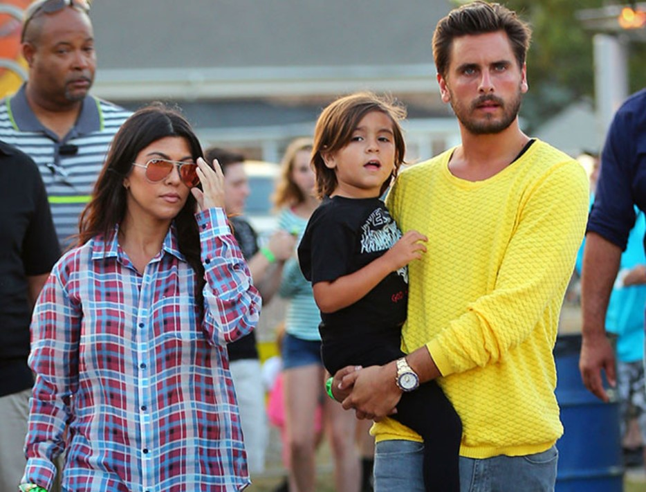 """""""kourtney-kardashian-gets-flirty-comment-from-ex-scott-disick-after-she-posts-swimsuit-pic-on-instagram"""""""