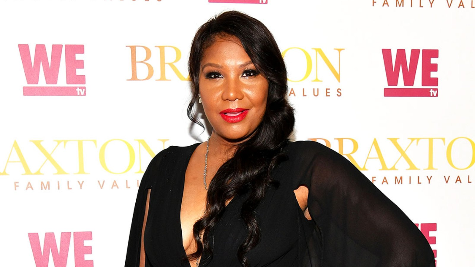 tamar-braxtons-sister-traci-braxton-shares-a-message-to-help-people-who-are-struggling-during-the-pandemic