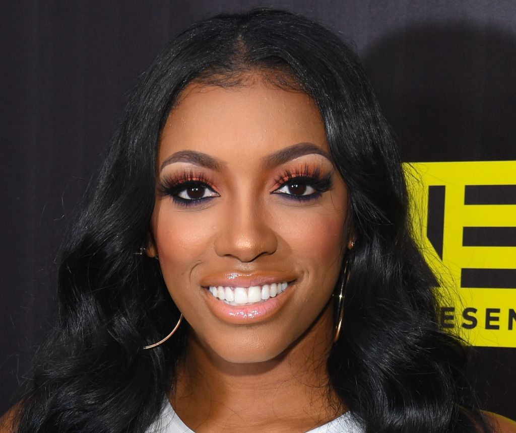 porsha-williams-looks-gorgeous-with-red-hair-and-green-eyes-see-her-pics