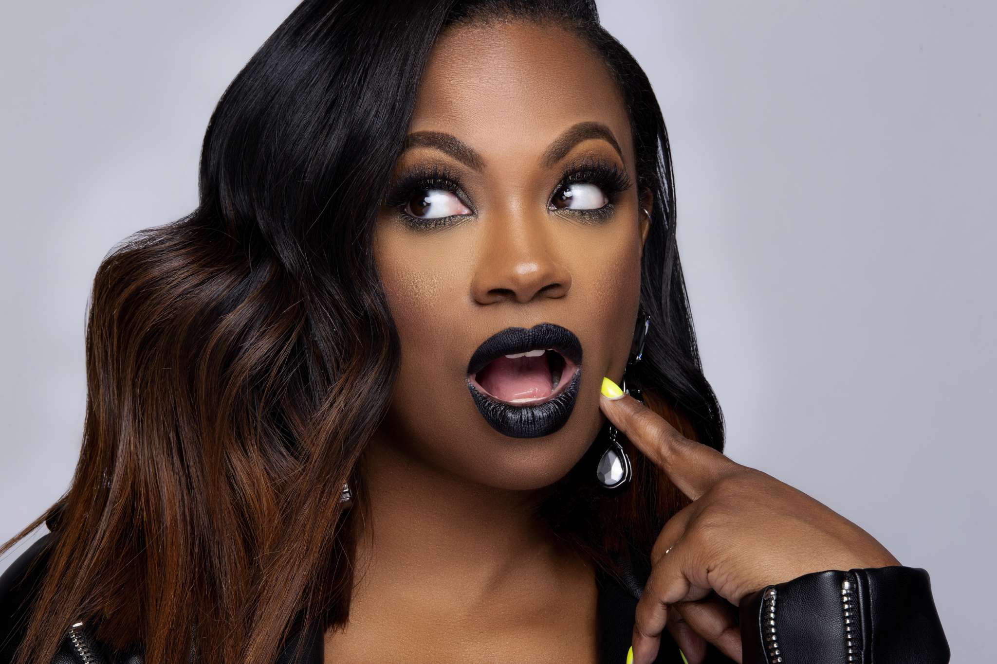 """""""kandi-burruss-impresses-fans-with-this-black-and-white-photo"""""""