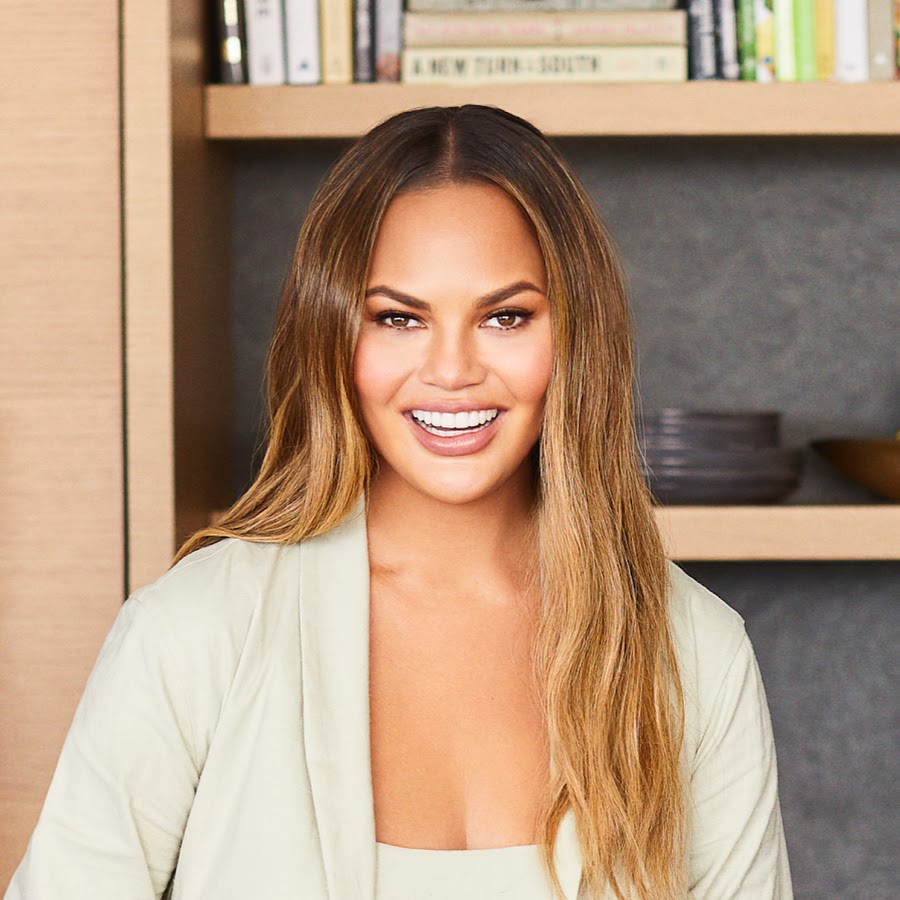 """""""chrissy-teigen-rushed-to-the-hospital-after-a-lot-of-bleeding-amid-high-risk-pregnancy-check-out-her-update"""""""
