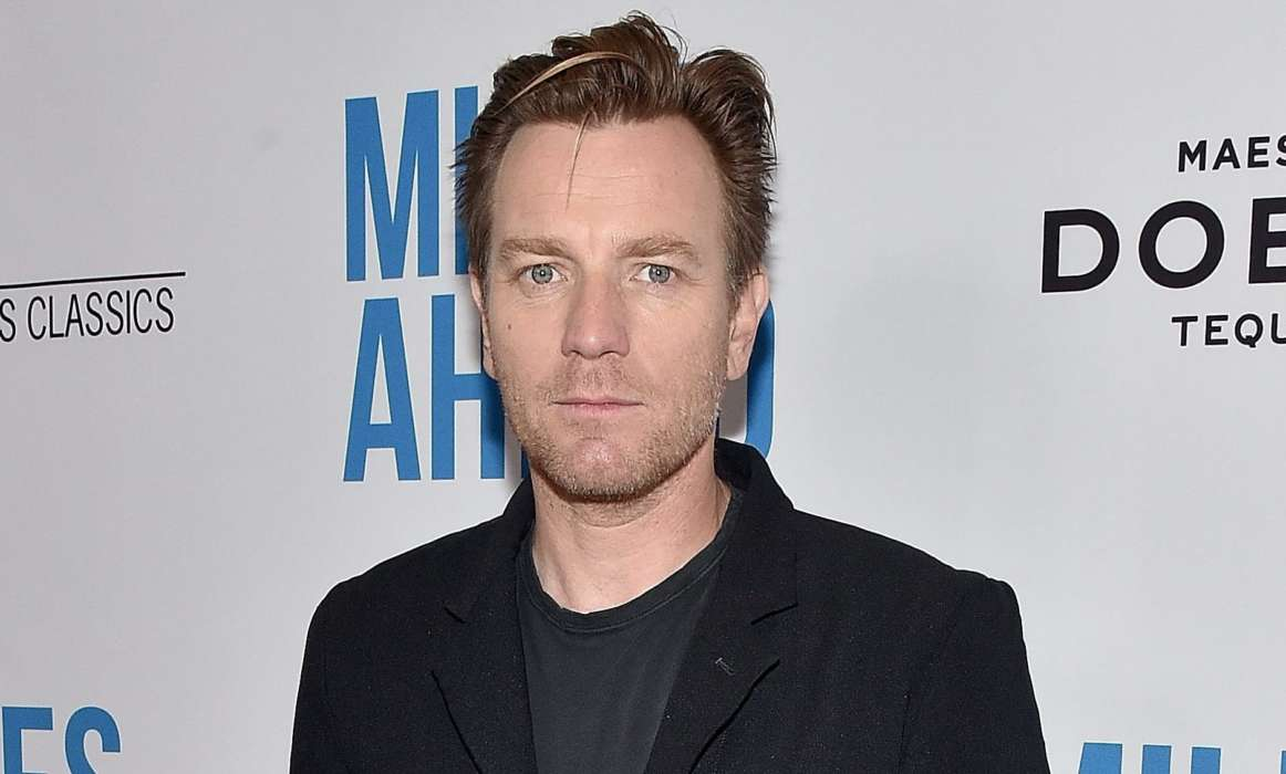 ewan-mcgregor-says-hes-surprised-by-the-success-of-the-star-wars-movies