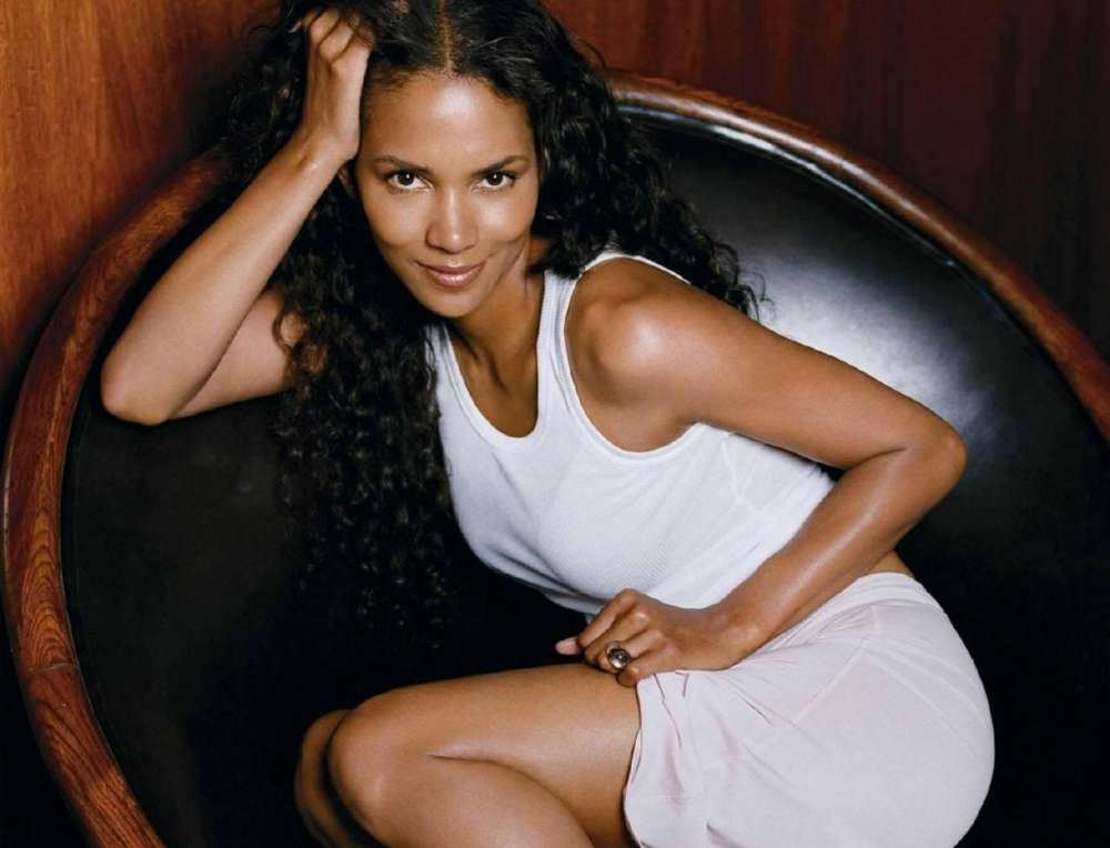 """""""halle-berry-is-thrilled-after-netflix-offers-her-20-million-for-her-new-project"""""""