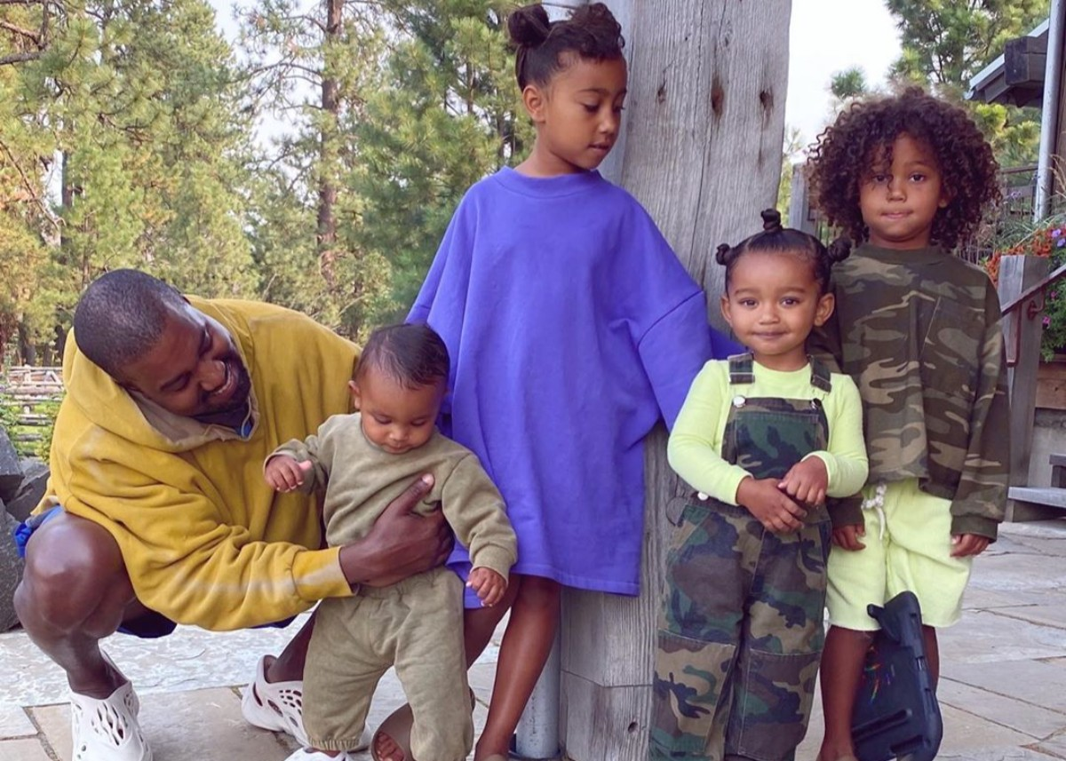 """kim-kardashin-shares-family-photo-with-kanye-west-and-their-four-children-north-saint-chicago-and-psalm-west"""