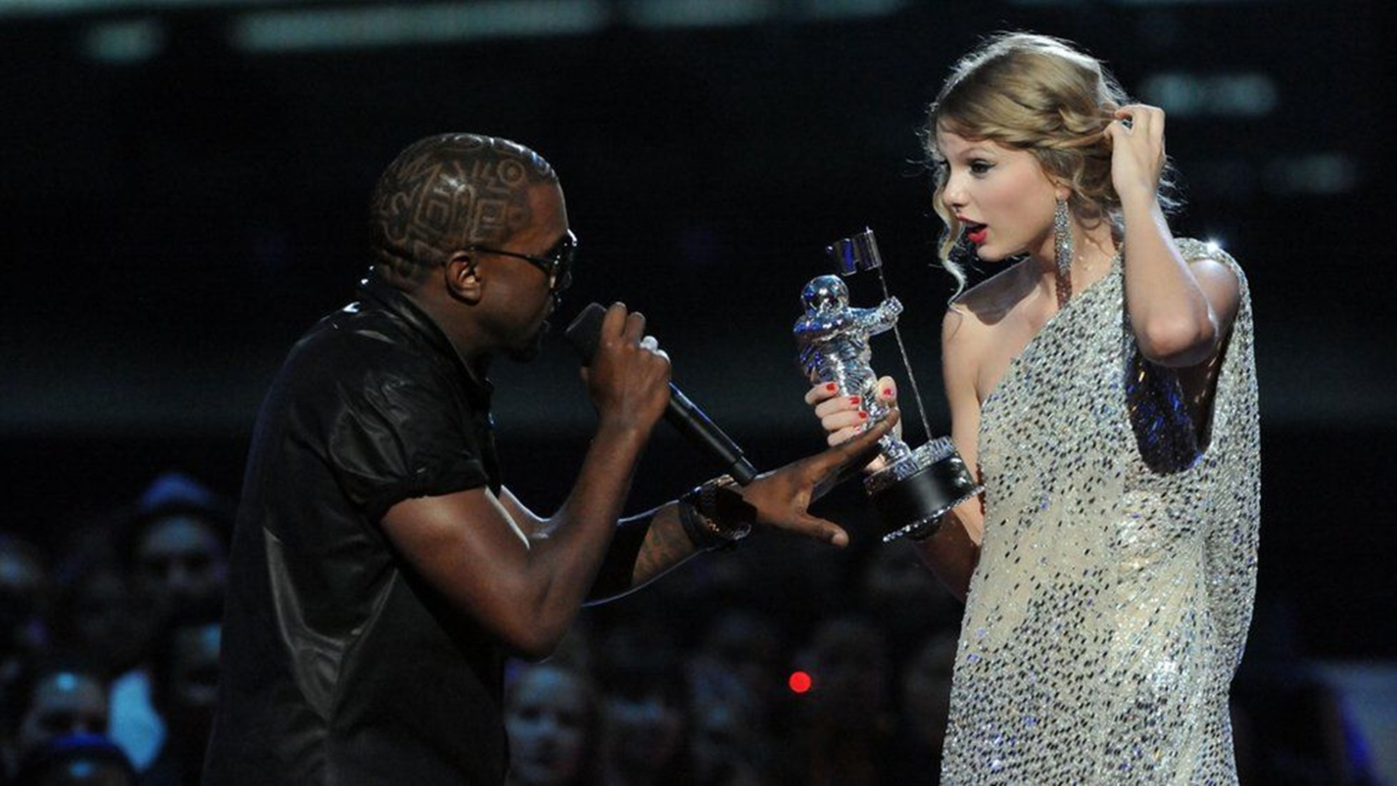 taylor-swifts-fans-say-obsessed-kanye-west-is-trying-to-get-headlines-and-her-attention-by-promising-to-get-her-masters-back-from-scooter-braun
