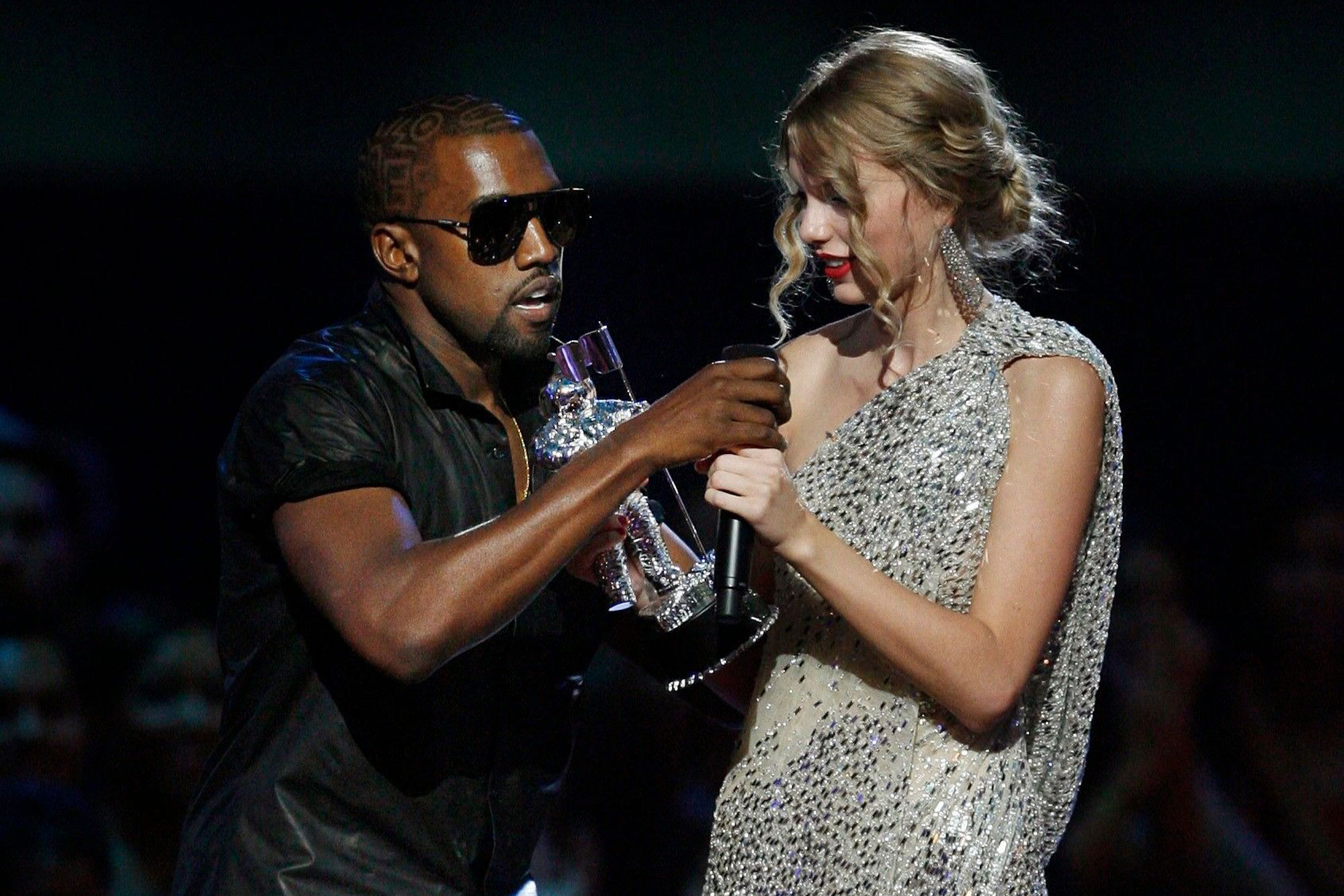 """""""kanye-west-promises-hes-going-to-make-sure-taylor-swift-gets-the-rights-to-her-albums-back-from-close-family-friend-scooter-braun"""""""