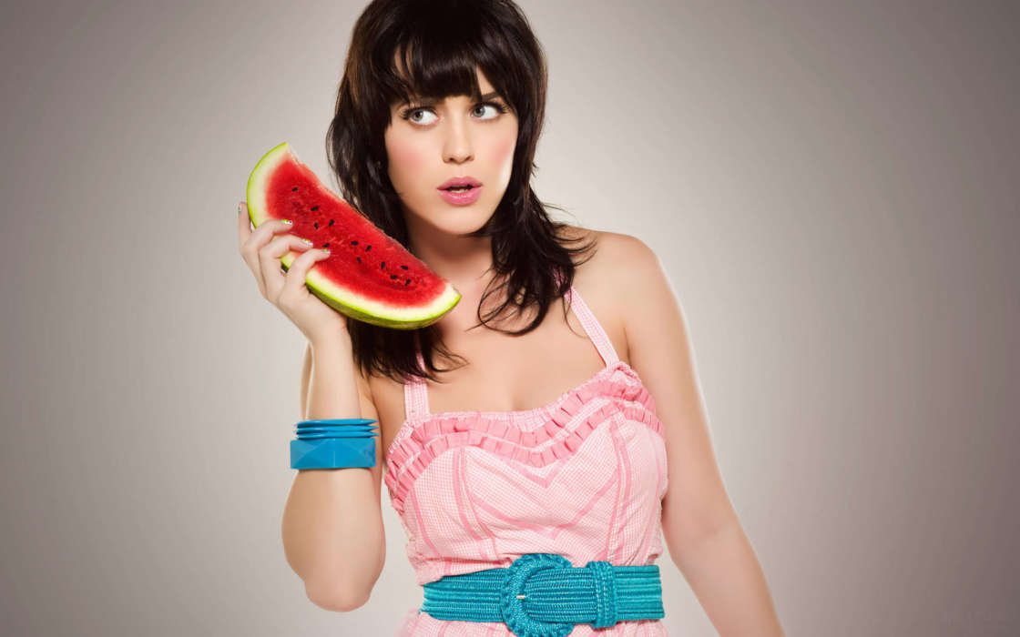 katy-perry-says-people-are-wrong-when-they-claim-being-a-mother-isnt-a-full-time-job