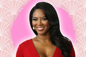 Kenya Moore Shows Off Her Flawless Hair, Leaving Fans In Awe