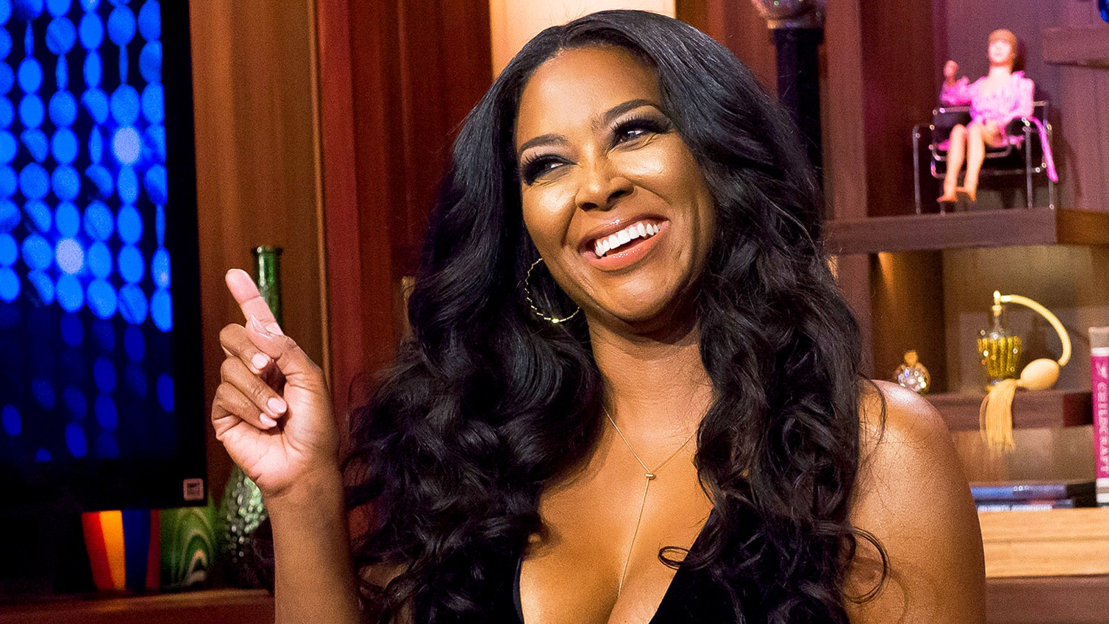 Kenya Moore Looks Gorgeous In Pink And Fans Are Here For Her Look And Message