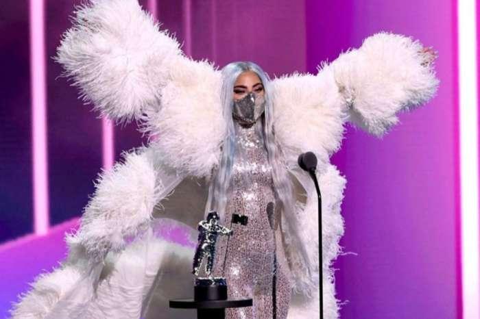 Lady Gaga Wore Valentino To The MTV VMA's