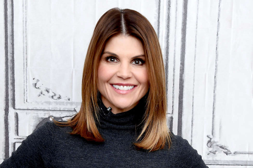 """""""inside-lori-loughlins-prison-the-actress-will-have-access-to-yoga-and-more"""""""