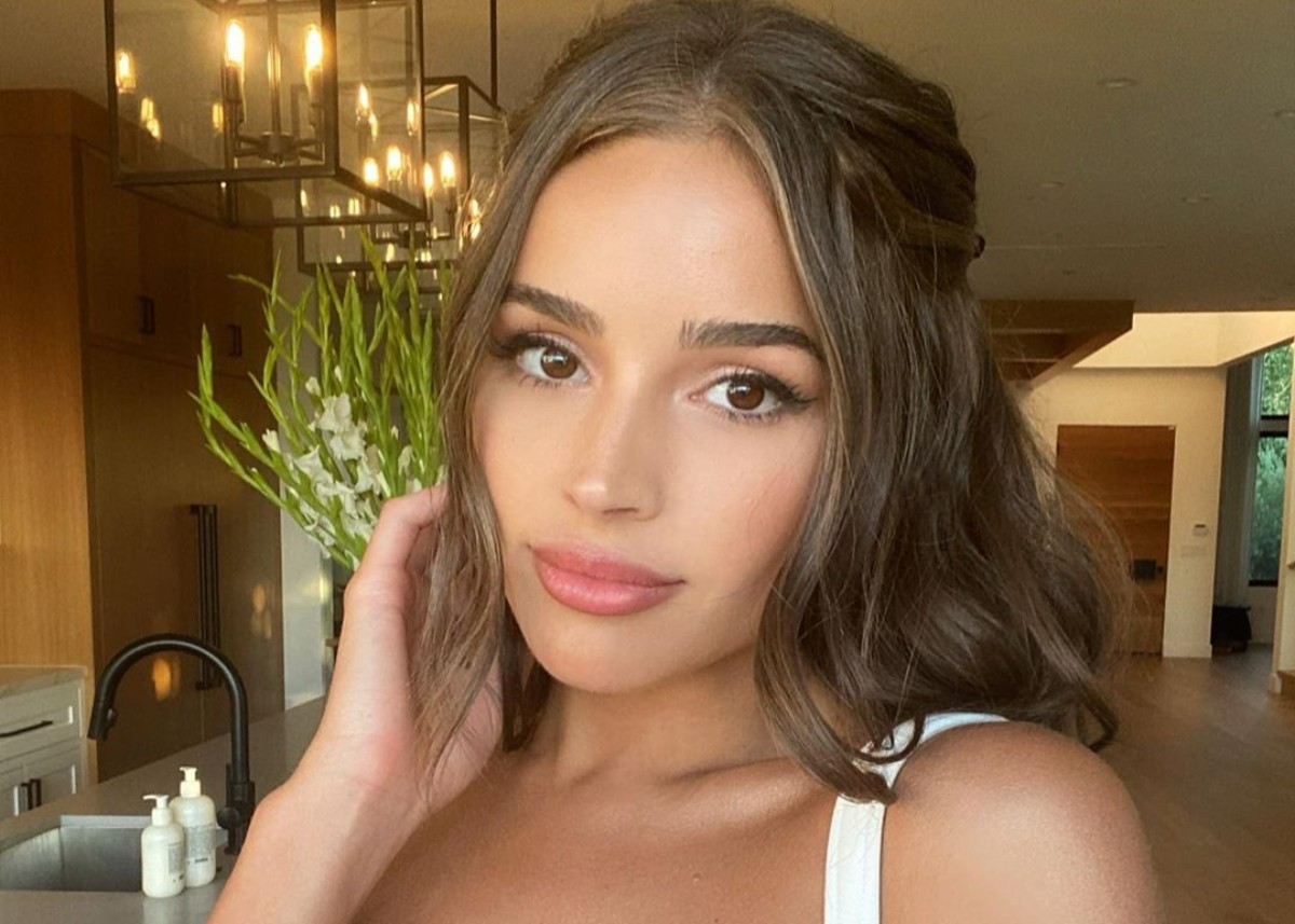 """""""olivia-culpo-is-wonderful-in-wintry-white-dress-check-out-the-look"""""""