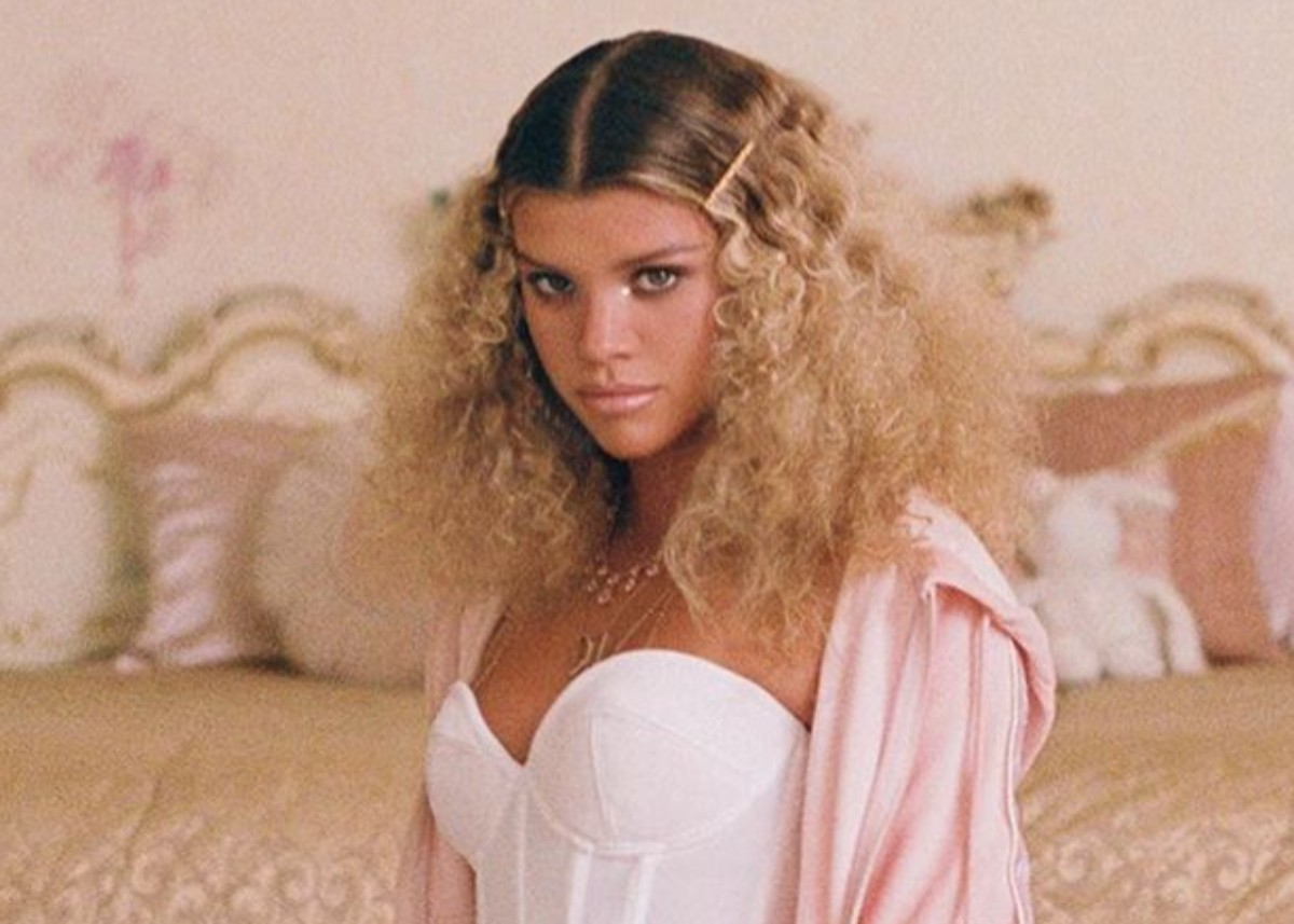 sofia-richie-puts-her-flawless-figure-on-display-in-juicy-couture
