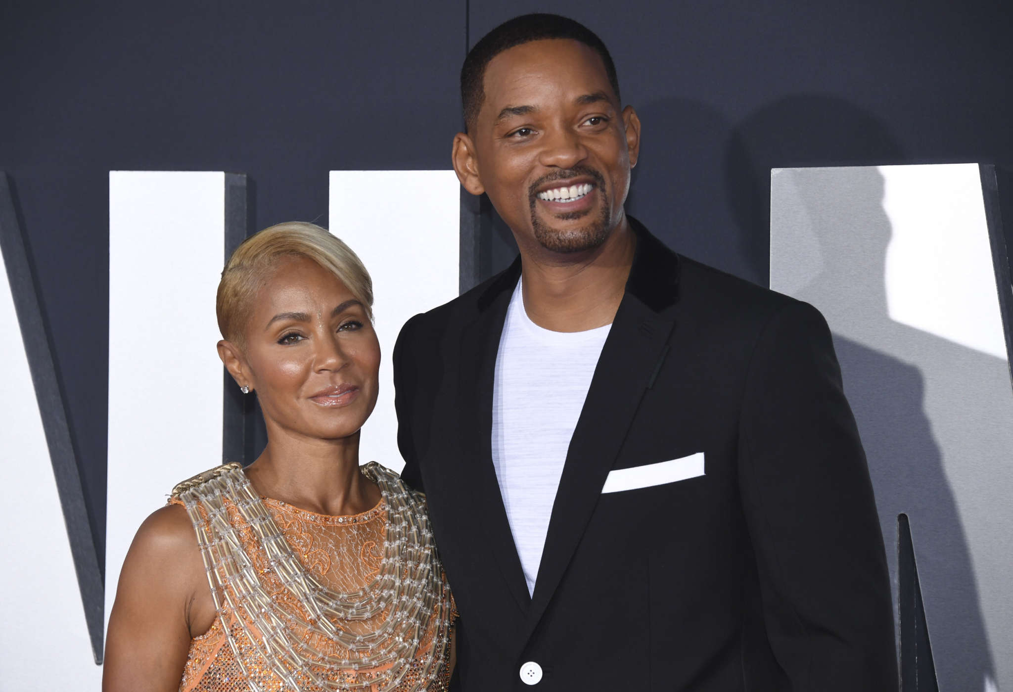will-smith-and-jada-pinkett-smith-are-making-fun-of-the-entanglement-memes-see-the-funny-clip