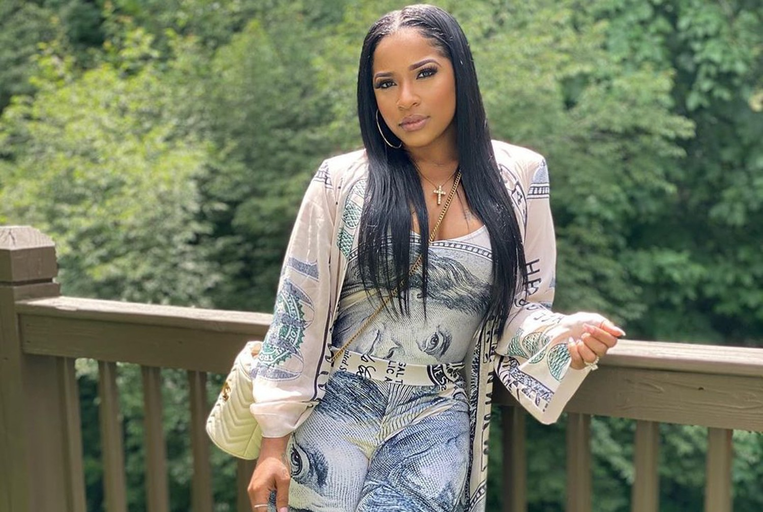toya-johnson-has-an-early-birthday-dinner-see-the-footage-of-the-amazing-scenery-and-decor
