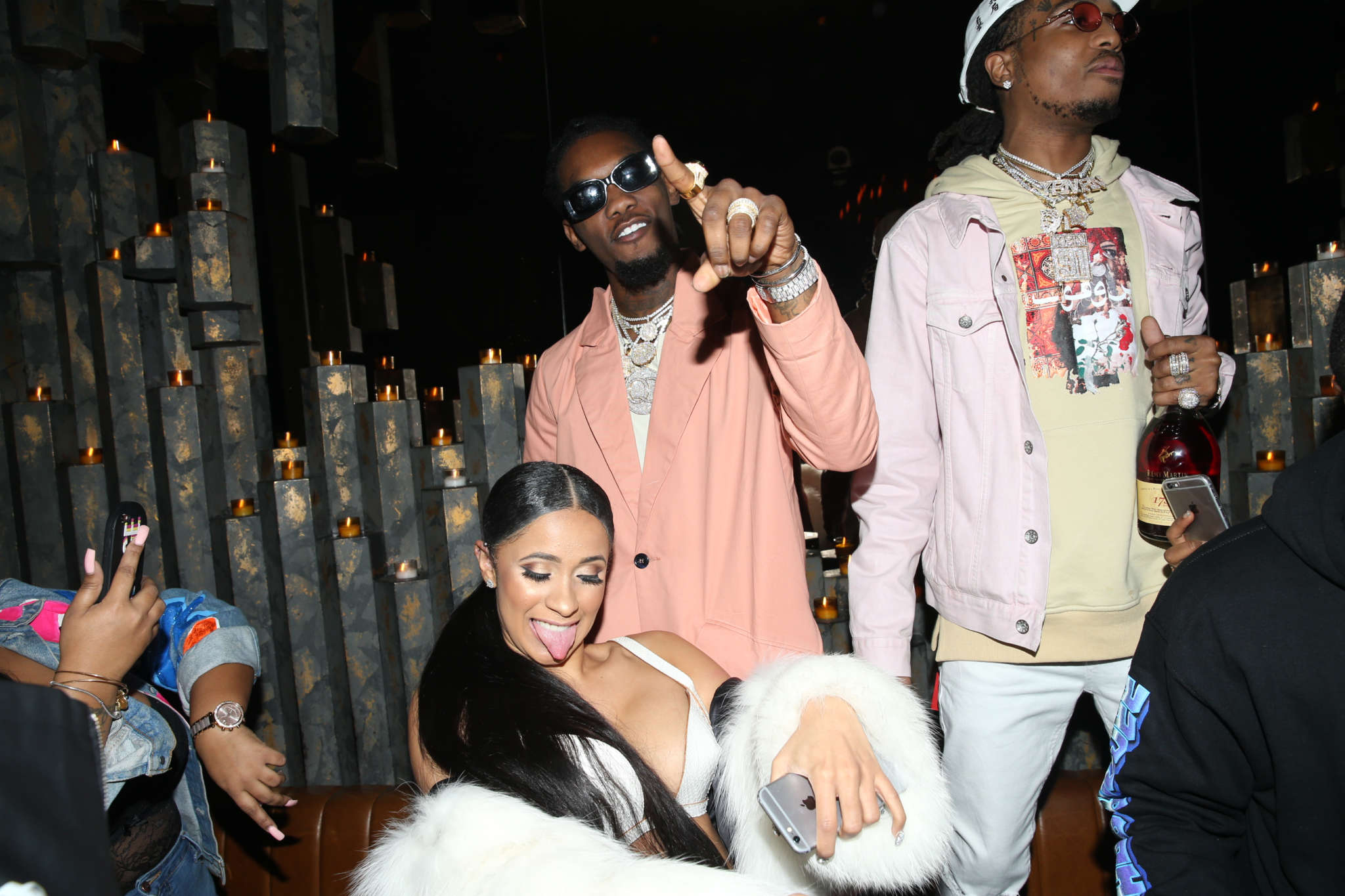cardi-b-drags-her-fans-for-trolling-offset-tells-them-they-dont-pay-her-bills-and-mentions-ariana-grande