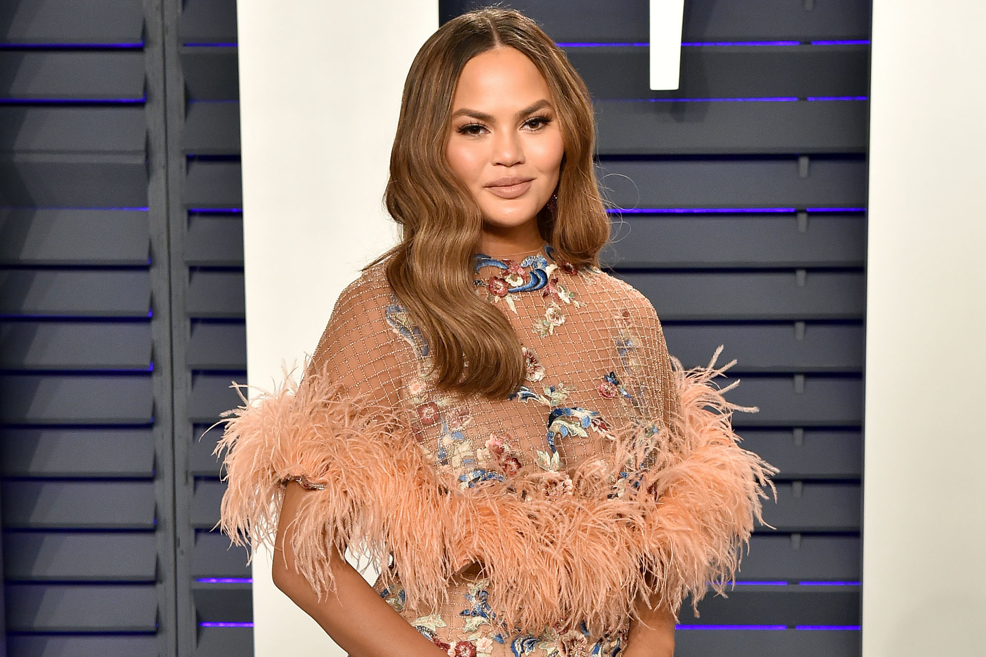 chrissy-teigen-says-she-finally-giggled-the-first-time-since-the-miscarriage-reading-this-funny-post