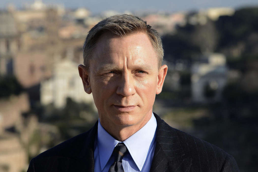 """daniel-craig-agrees-its-not-the-appropriate-time-for-no-time-to-die-to-come-out"""