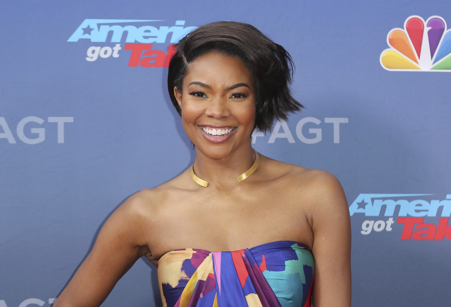 gabrielle-union-praises-an-amazing-lady-symone-d-sanders-see-her-emotional-message