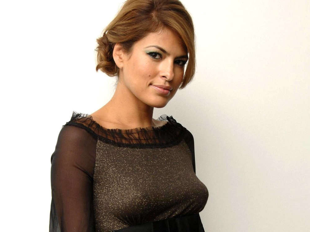 eva-mendes-shares-what-she-and-ryan-gosling-have-been-doing-amid-lockdown-claims-shes-going-to-start-acting-soon