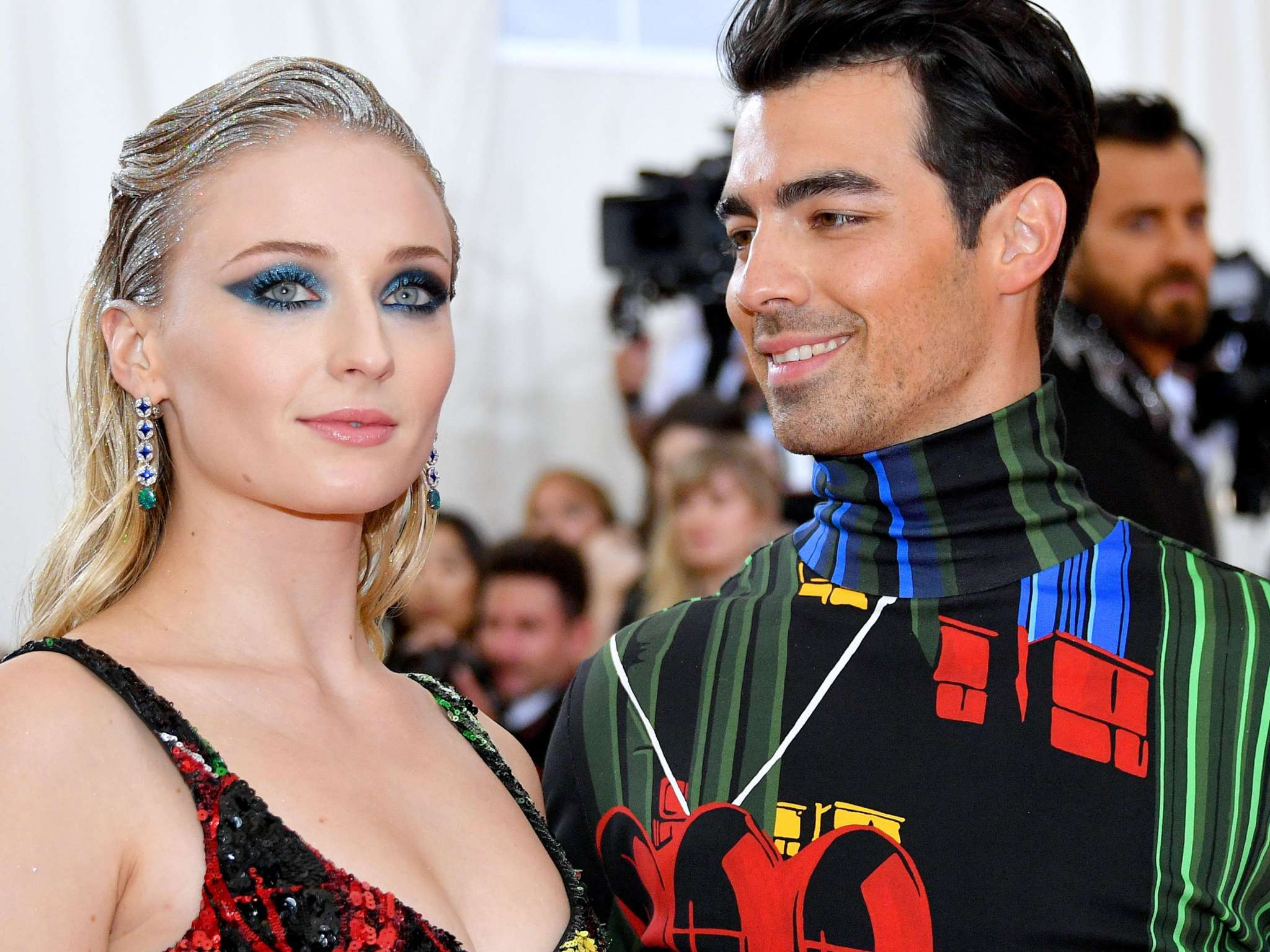 joe-jonas-and-sophie-turner-closer-than-ever-while-making-a-great-team-as-new-parents