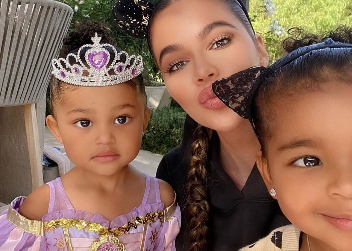 khloe-kardashian-is-the-best-aunt-as-she-hosts-halloween-fun-with-true-thompson-and-her-nieces-and-nephews