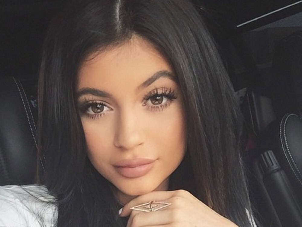 kylie-jenner-reportedly-regrets-her-fight-with-sister-kendall-on-kuwtk