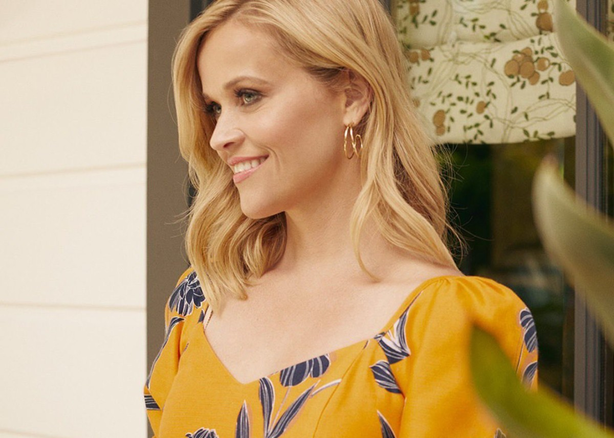 reese-witherspoon-wore-draper-james-on-the-drew-barrymore-show-see-the-look