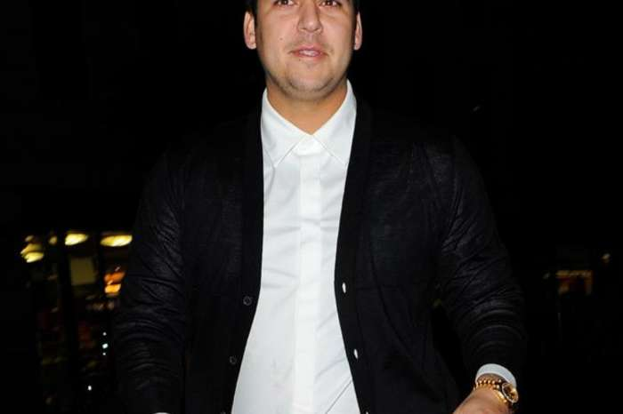 KUWTK: Rob Kardashian Looks Happy And Healthy While Partying With His Family At Kim Kardashian's Birthday Bash