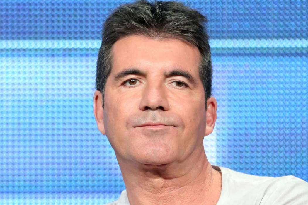 """simon-cowell-will-reportedly-lay-in-bed-for-the-next-6-months-following-his-neck-injury"""
