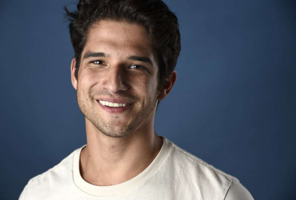 tyler-posey-opens-up-about-his-true-sexuality-in-new-interview